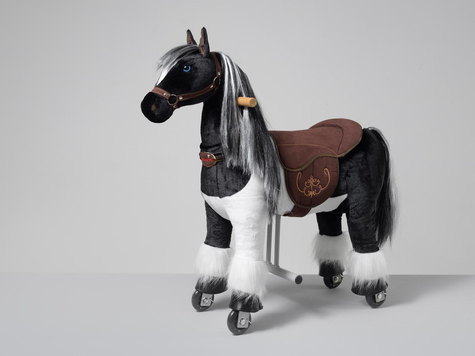 Domino Ponnie S HOME – americký malířský kůň
