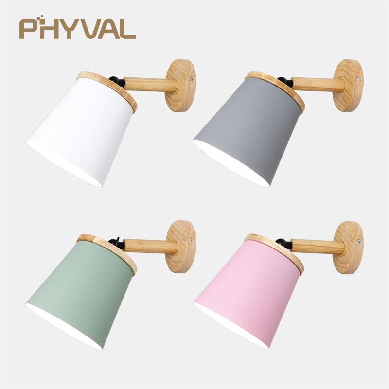 Dřevěná lampička na zeď v různých barvách