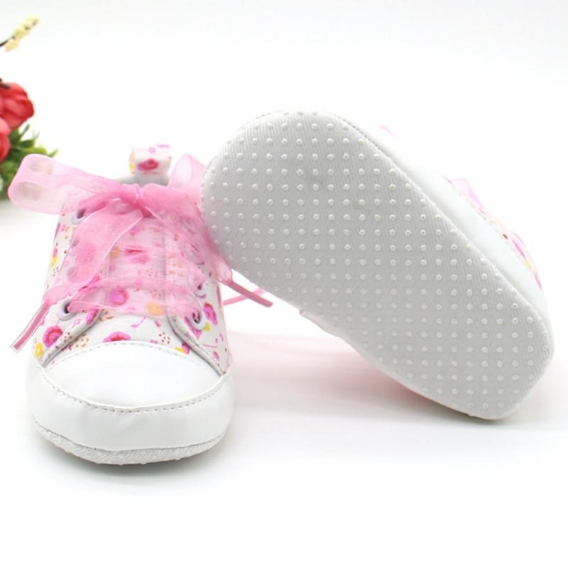 Květinové kojenecké capáčky s mašlí – Růžové