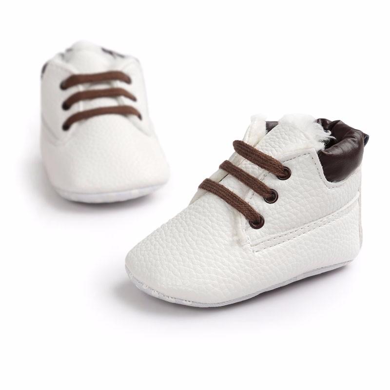 Teplé kojenecké botičky – Bílé