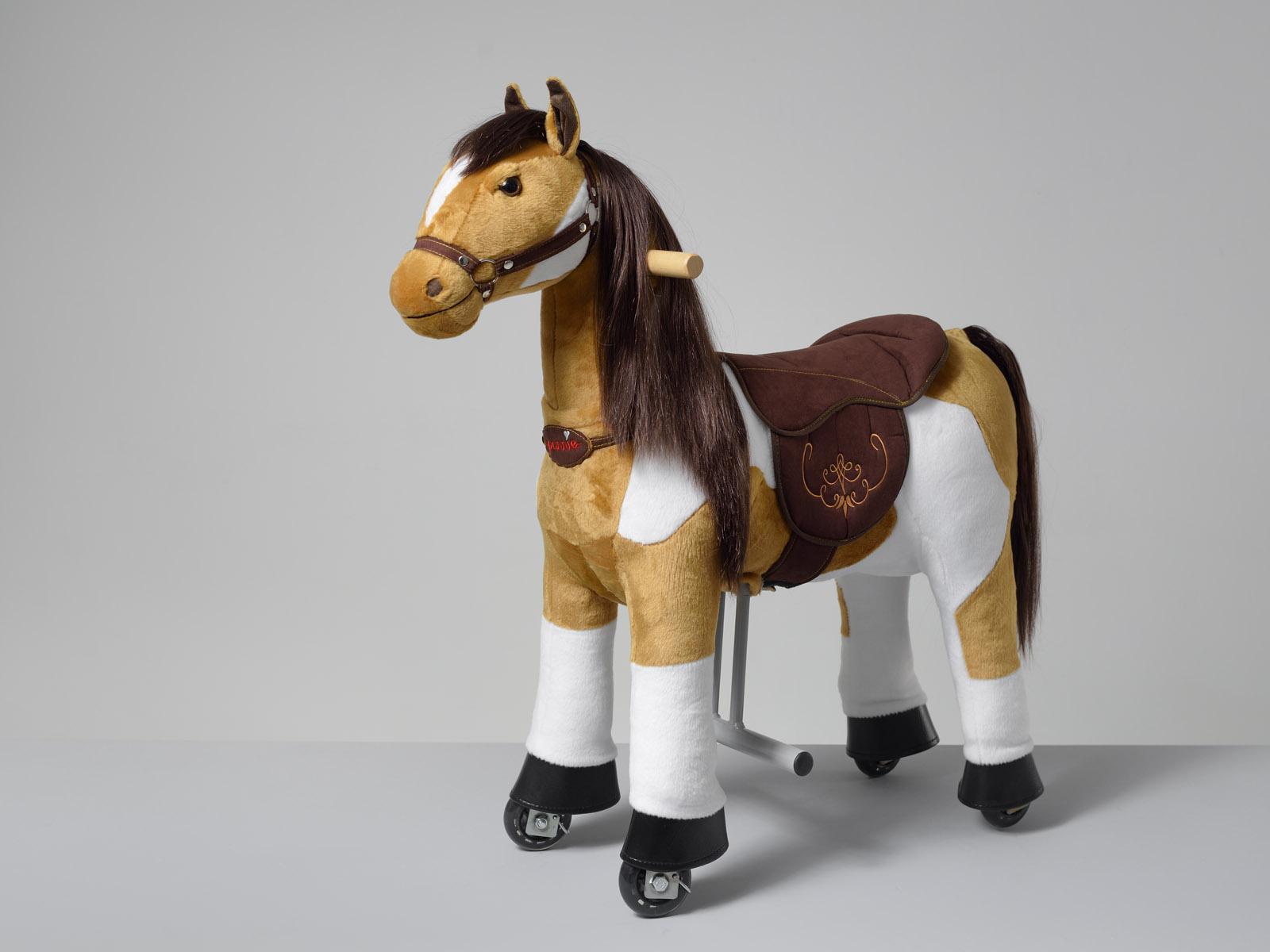 Misty Ponnie S HOME – americký malířský kůň