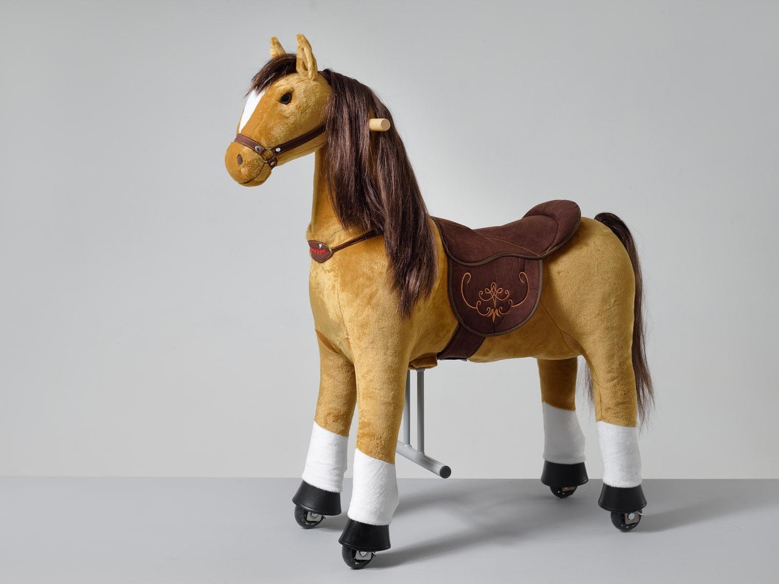 Fancy Ponnie M HOME – světle hnědý kůň s bílými znaky