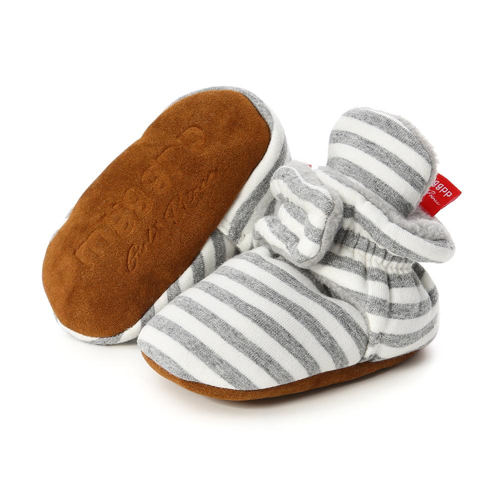 Capáčky pro miminko – Světle šedý proužek