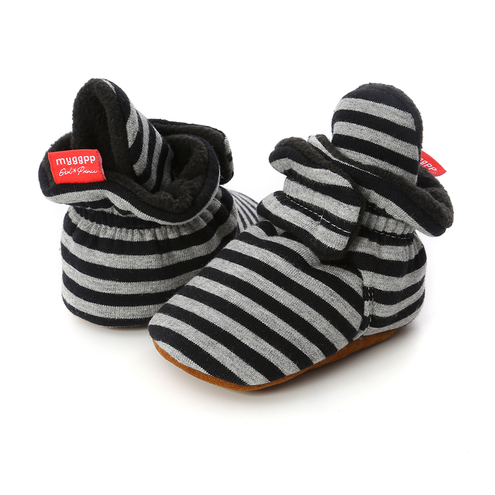 Capáčky pro miminko – Černý proužek